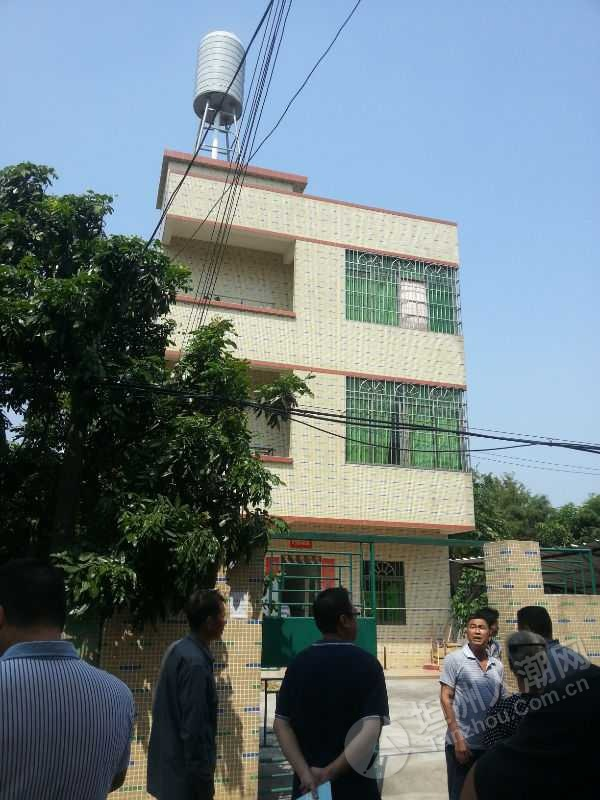 乡村#坦洲裕洲村沙心居民楼顶的信号塔终于拆啦