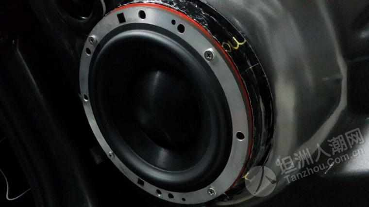 坦洲汽车音响改装.品味意蕾音 大众速腾主动三分频意大利史泰格美国
