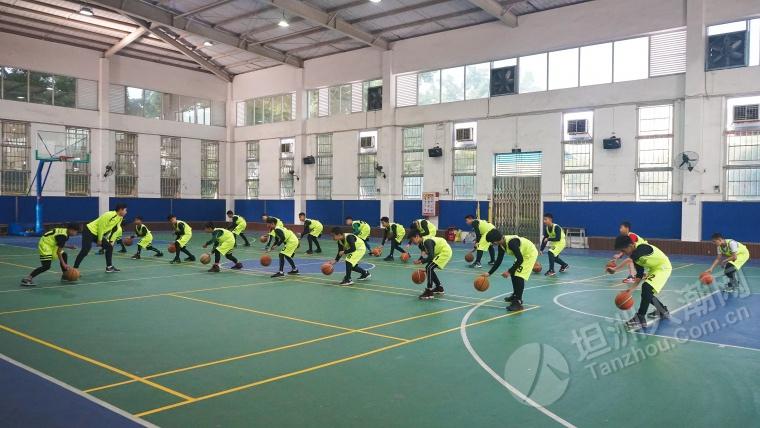 不舍!2019坦洲镇青少年体育冬令营男子小学篮球组结营,各位继续努力!