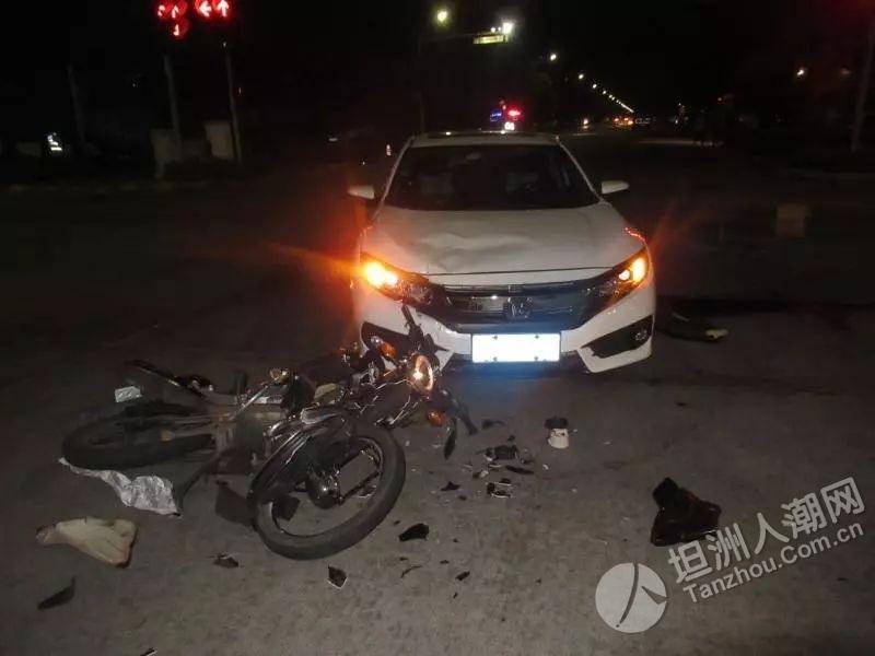 痛心!中山一摩托闯红灯高速撞上小车!司机飞过车顶坠地身亡