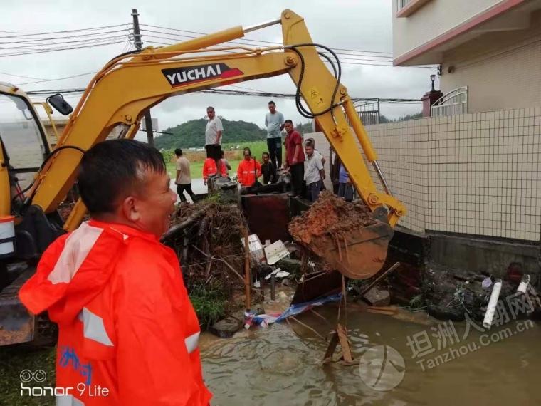 """裕洲村""""韦帕""""台风防御情况:有豆闸被冲垮,紧急处理!"""