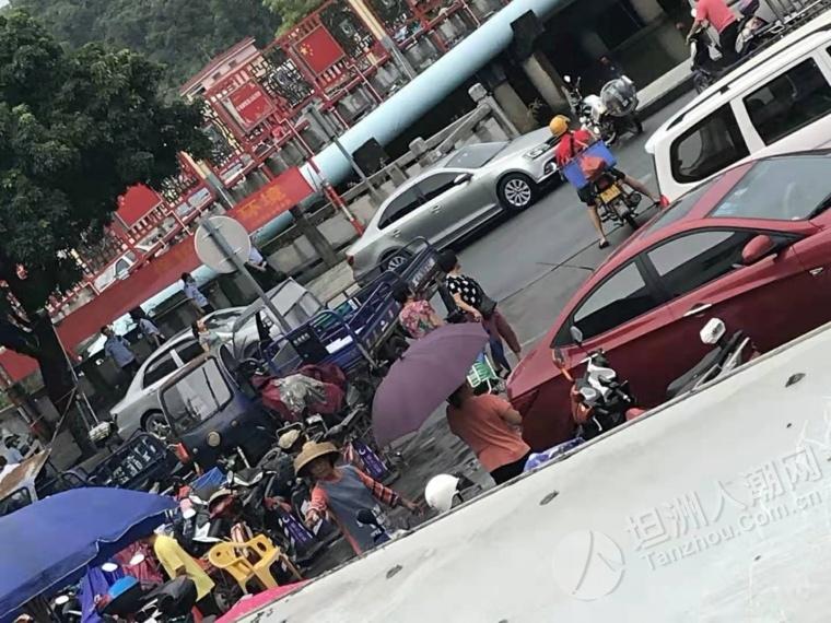 坦洲市场门口的小码头发生什么事?好多人