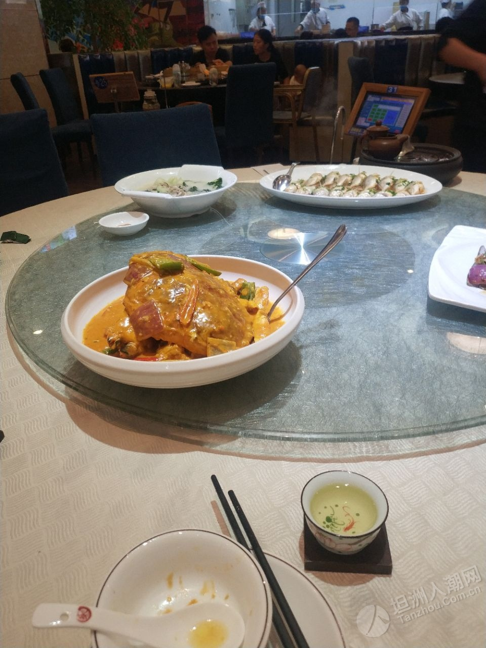 坦洲海鲜佬叹个中午饭