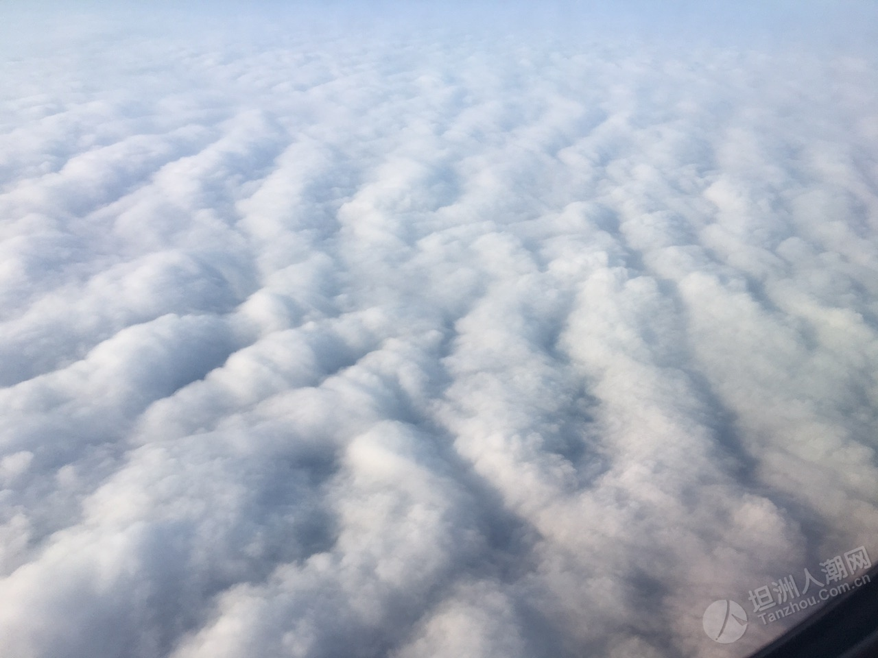 飞机上看冷空气的云层