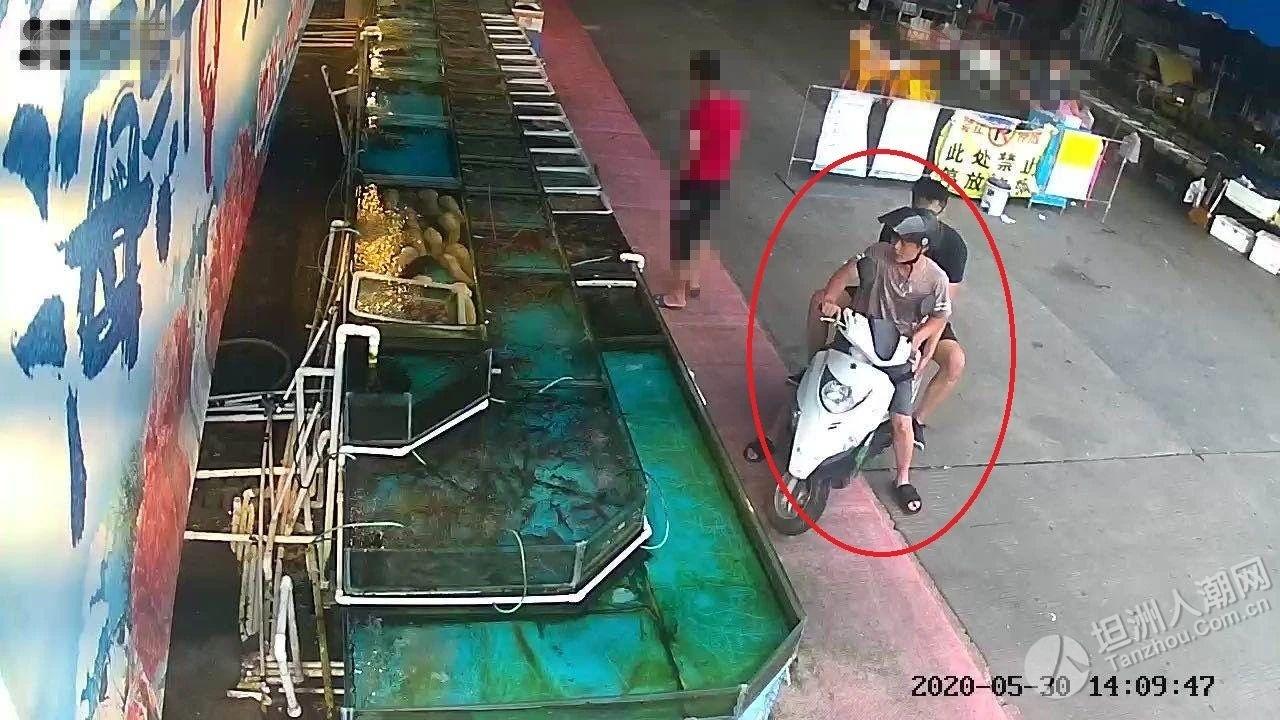 真·吃货!中山男子深夜偷走8斤重龙虾,煮熟前还合影留念…