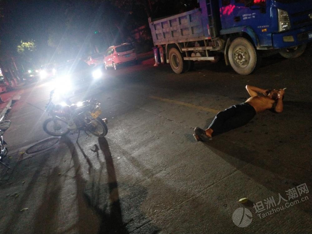 坦洲第三工业区又有人睡马路
