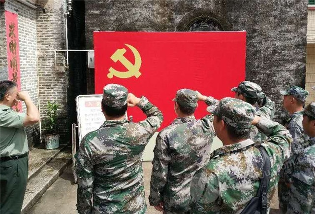 与青少年学生同游!坦洲基层民兵协助开展国防教育