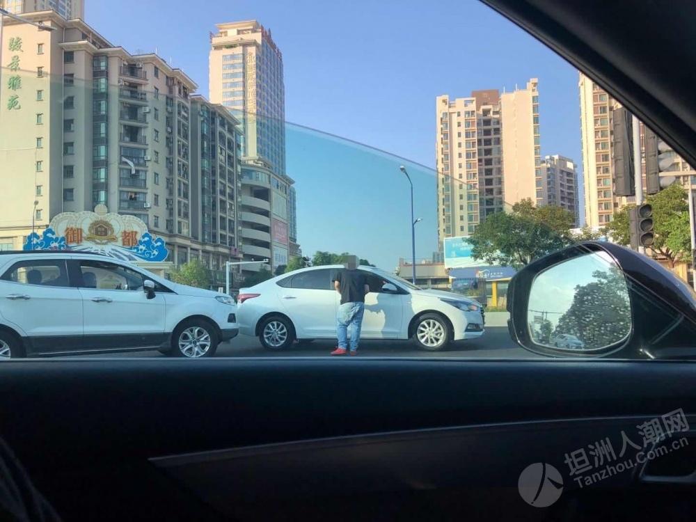 驾驶要小心!坦洲这个路口又有交通事故
